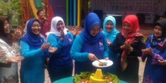 Bunda Paud Riau Senang Bisa Berkumpul dengan Anak-anak di HUT HIMPAUDI
