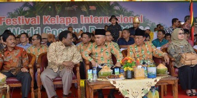 Festival Kelapa Internasional 2017, Bersama Bupati Inhil, Gubri Saksikan Gelar Seni Melayu Serumpun