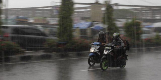 Pekanbaru Berpotensi Hujan Siang Ini