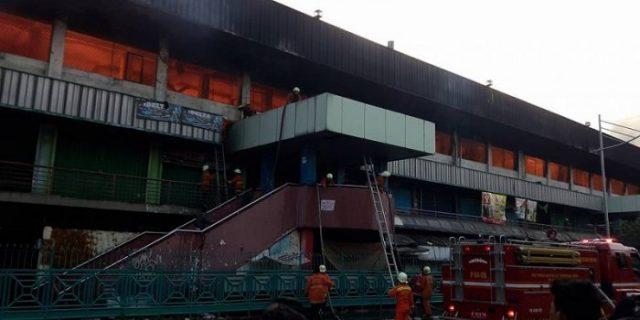 Cerita Detik-detik Api Membakar Pasar Senen