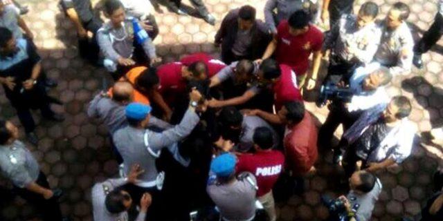 Penyerang Polisi di Banyumas Ini Hanya Ucapkan: Tagut, Tagut!