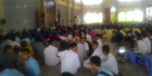 Ratusan Siswa SMK Gelar Doa Bersama
