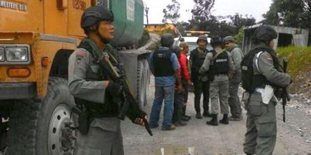 Dua Polisi Pembawa Logistik Pilkada Papua Belum Ditemukan