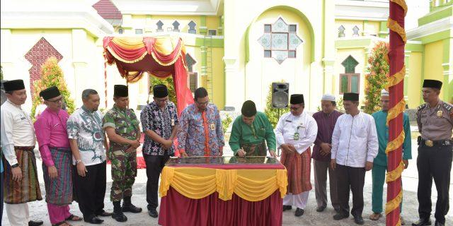 Pemkab Siak Terima CSR Dari Bank Riau Kepri Berupa Asrama Rumah Tahfidz Al-Alim dan 3 RKB SD Sains Tahfizh Islamic Center