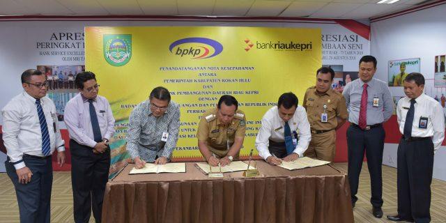 Pemkab Rohul Tanda Tangani MoU Kasda Online Dengan Bank Riau Kepri Dan BPKP Riau