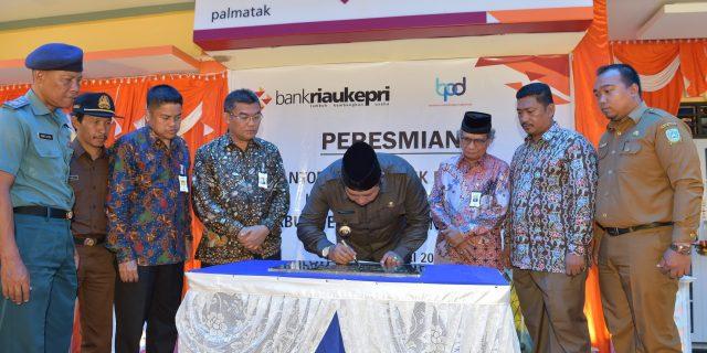 Bupati Kepulauan Anambas Resmikan Kantor Kas ke 41 Bank Riau Kepri di Kecamatan Palmatak