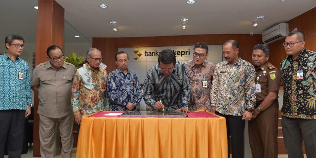 Kantor Bank Riau Kepri Capem Tanjung Uban Resmi Gunakan Gedung Baru