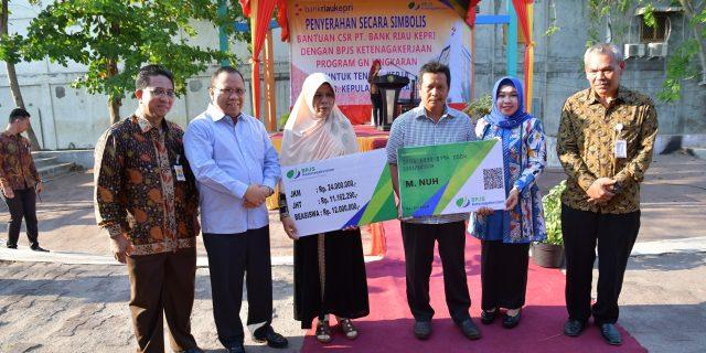 Bank Riau Kepri Wujudkan Peduli Tenaga Kerja Rentan Melalui Program GN Lingkaran BPJS Ketenagakerjaan di Kabupaten Kepulauan Meranti