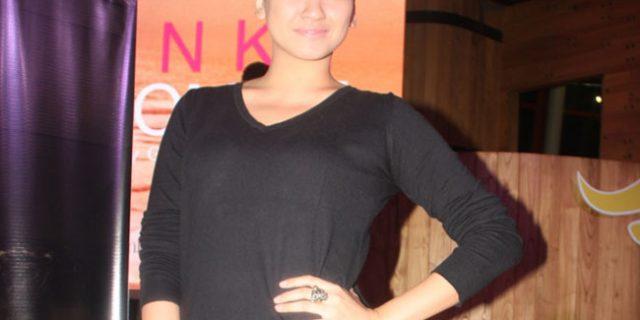 Agni Pratistha Botak Demi Perannya di Film Pinky Promise
