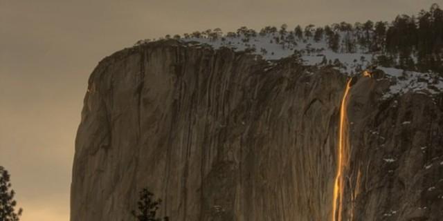 Indahnya 'air terjun api' di Yosemite National Park
