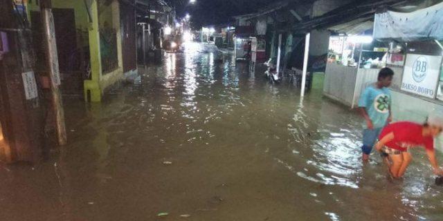 Banjir di Kampung Utan Depok Surut