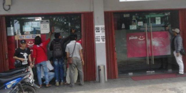 Wanita Ini Ditangkap Polisi Saat Hendak Merampok Bank