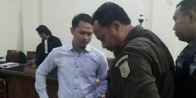 Terbukti Bunuh Anggota DPRD, Brigadir Medi Malah Tepuk Tangan Dihukum Mati