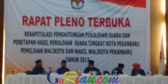 Pasangan Firdaus-Ayat Cahyadi Hadir di Pleno Rekapitulasi KPU Kota Pekanbaru
