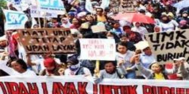 Buruh Dan Pekerja Se-Kota Batam Pagi Ini Gelar Aksi Unjukrasa