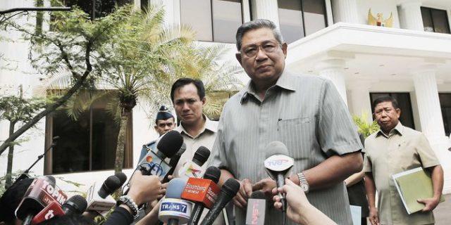 Ditanya Soal Jokowi, SBY Bilang 'Sesama Bus Dilarang Dahului'