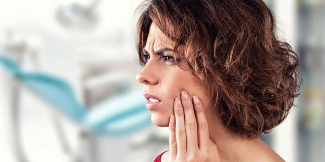 Ini Cara Alami Mengurangi Gusi Bengkak Akibat Sakit Gigi