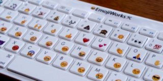 Keyboard Terbaru Ini Punya Simbol Emoji di Setiap Tombol