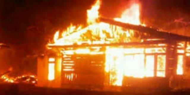Rumah Panggungnya di Meranti Ludes Terbakar
