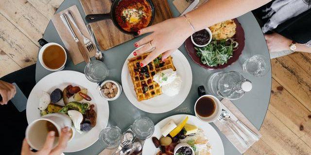 5 Tips Makan Sahur agar Tetap Berenergi Saat Puasa