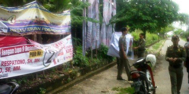 Merusak Keindahan, BP2T Tertibkan Puluhan Spanduk di Tanjung Pinang