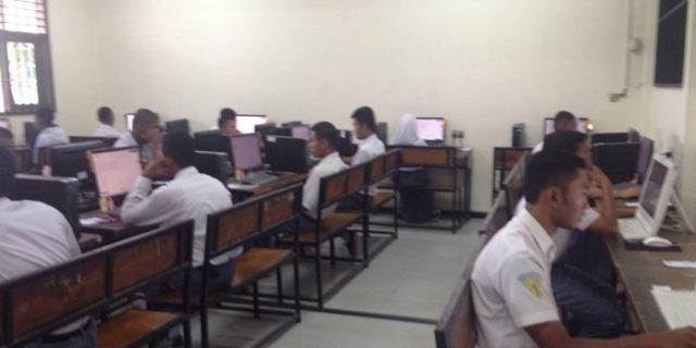 22 Siswa SMKN 1 Batam Ikuti Ujian Nasional Berbasis Komputer