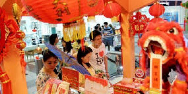 USD67,3 Miliar Selama Imlek Turis China Belanjakan